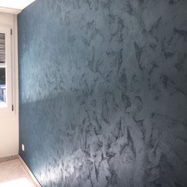 Wohnungsrenovation mit Metalleffekt-Technik, Worb / Juni 2019