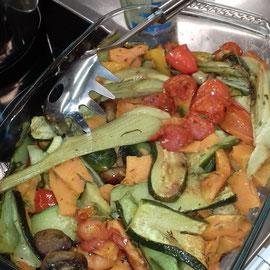 gebratenes Gemüse mit Knoblauchsauce