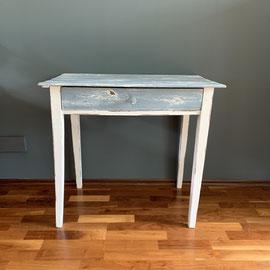 Kleiner Tisch mit Original Patina, Blau/Weiß, 80 breit, 49 tief, 74 hoch *150€