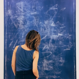 Neue Ausstellungen besuchen. Hier: In der Saatchi Art Gallery, London