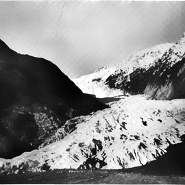 Retreat of the Franz-Josef Glazier 1950 (Courtesy NZGS: WA Sara Franz Josef and Fox Glaciers 1968)