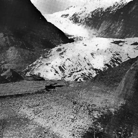 Retreat of the Franz-Josef Glazier 1956 (Courtesy NZGS: WA Sara Franz Josef and Fox Glaciers 1968)