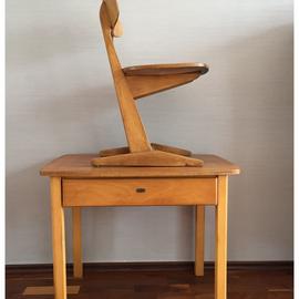 st hle b nke tische m bel mit charakter d sseldorf vintage m bel retro tische. Black Bedroom Furniture Sets. Home Design Ideas