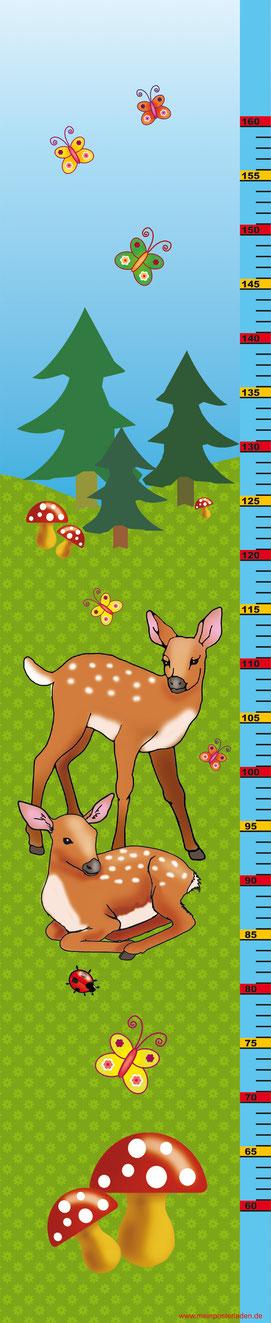 Kindermesslatte mit niedlichen Rehen im Wald, Fliegenpilzen und Schmetterlingen - auf Posterpapier gedruckt oder als Wandaufkleber