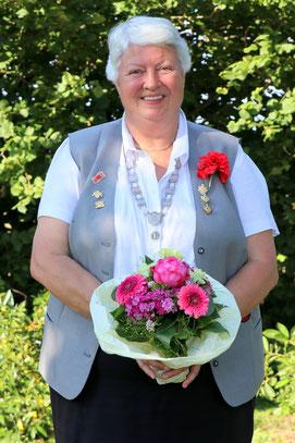Freihandkönigin Hildegard Karowski