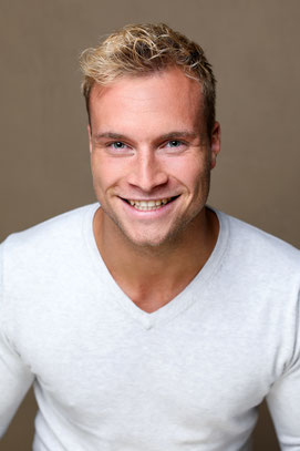 MARVIN SCHÜTT - Schauspieler, Sänger, Musicaldarsteller
