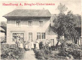 """Schon vor der Gründung der Genossenschaft war im gleichen Haus ein Laden untergebracht. (""""Chrämer-Noldi"""", aus einer Ansichtskarte von 1914)"""