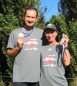 Nicole und Udo im Ziel des Jungfrau-Marathons 2007.