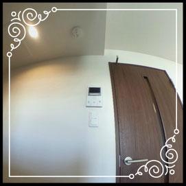 リビング①TVモニター付きインターフォン↓360°画像によるバーチャル内覧はこちら。↓グレースガーデンN30-202号室