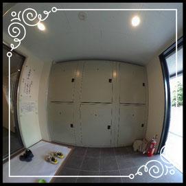 エントランス③宅配BOX↓360°画像によるバーチャル内覧はこちら。↓グレースガーデンN30