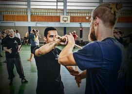 Kung Fu, Kampfsport, Kampfkunst, Wing Chun, Selbstverteidigung für Frauen: Kampfkunstschmiede Zürich Oerlikon, Eskrima. Selbstverteiigungskurs Frauen