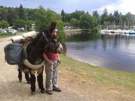 randonnée de 2 jours avec un âne au lac de Vassivière