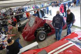 Ford GT40 im Fahrerlager