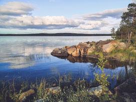 AntsInPants Tours Aktivurlaub Schweden Outdoorurlaub Lappland Abenteuerurlaub buchen Villa am See in Schweden buchen reservieren