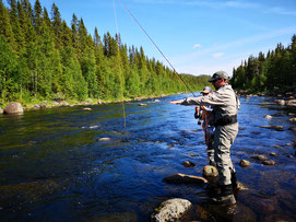 Aktivurlaub Schweden AntsInPants Tours Special Tour Fliegen Fischen Lappland