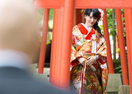 幸せを祈りながら、「慶寿鳥居」を進む花嫁様@結(ゆい)
