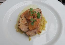 Bild: Rôti de porc dans l´echine, choux étove dans la graisse de canard, Chez Serge Carpentras