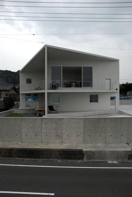 小さな家の大きな部屋
