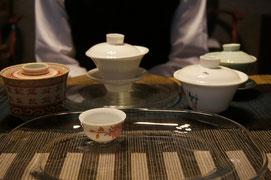いろいろな茶器を自由に使って。