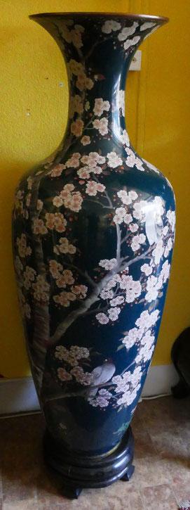 Paire de vases cloisonnées, Japon, époque Meiji, cerisiers en fleurs, colombes, cloisonné sur cuivre, paire, antiquités, galerie, expo de Noël