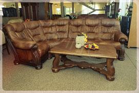 Дорогой кожаный угловой диван