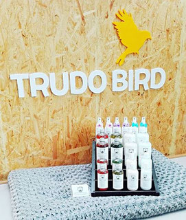 DM4U-D&M-Natuurlijke-dierverzorging-Trudo-bird-Sint-Truiden-honden-hond-puppy-pup-shampoo-conditioner-parfum-parfume-zalf-verzorgende-verkoop-punt