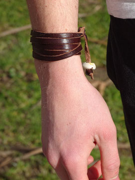 Armband. Photo: Men's Individual Fashion.