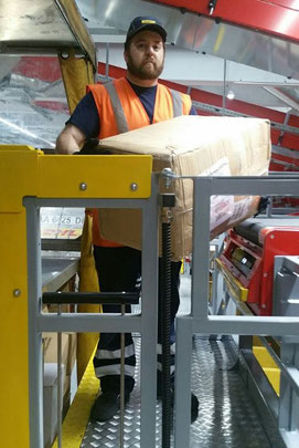 The movable platform offers DHL staff ergonomic support