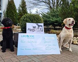 3.000 Euro gingen an das Tierheim PROGAT i Gos Ampuria in Empuriabrava, Spanien.