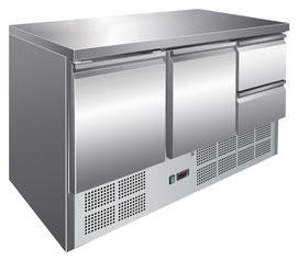 Kühltisch & Saladette in einer Pizzaria