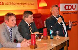 Foto: Wendt  -   von links: Thiemo Röhler, PSts Enak Ferlemann, Dr. Getsch