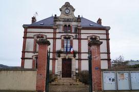 La mairie de La Chapelle-Monthodon.