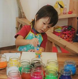 3歳の色ぬり体験