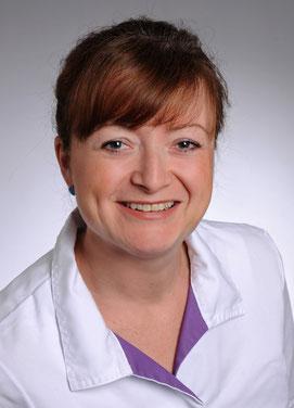 Justine Zmuda, Zahnmedizinische Fachangestellte, Assistenz bei der Behandlung, Zahnarztpraxis Dr. Karl-Heinz Huthmacher, Dr. Sabine Püttmann-Isfort, Marl