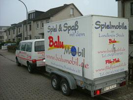 """Kommt nicht nur zum Kinderforum: """"Balu"""" mit seiner Zugmaschine."""