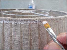 Finition abat-jour plissé en voile de lin