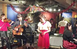 クリスマスコンサート出演者全員で演奏