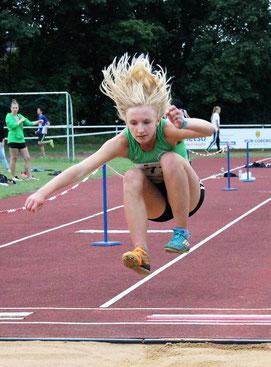 Maja Rittel springt zur persönlichen Bestleistung