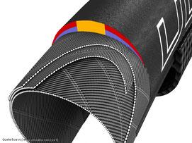 Karkasse bezeichnet man das Grundgewebe, das den eigentlichen Reifengummi trägt
