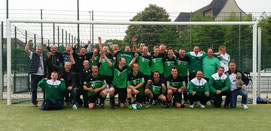 Das Bild zeigt die Meistermannschaft nach Ihrem Triumph am vergangenen Samstag.