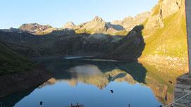 Il lago Vannino fa da specchio