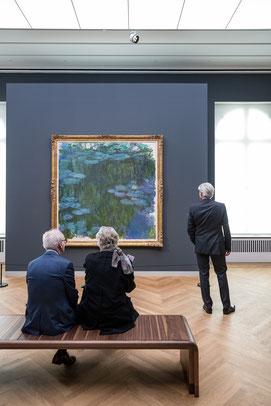 """Ausstellungsansicht """"Impressionismus. Die Kunst der Landschaft"""" mit Claude Monets Seerosen, Museum Barberini, Photo: Helge Mundt, © Museum Barberini"""