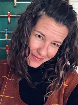 Denise Lüthi ist Fachlehrperson für Kunst und Bildnerisches Gestalten