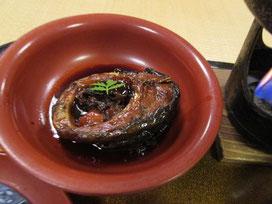 特にご主人自慢の秘伝のタレで煮込んだ鯉の甘煮は絶品でした!