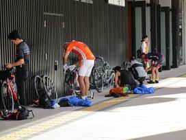 門前のお店で冷たいスイーツを食べて、長野駅から輪行して帰ります。長野市の最高気温は35℃を越えていました。多分、舗装路を走っていた私達はもっと暑かったはず(^^;)無事に楽しく走り切れて良かったと安堵しました!暑さも加わった刺激的で楽しい旅。また安曇野行きたいですね(≧▽≦)