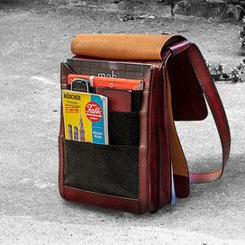 Innenansicht Tasche mit vielen Fächern