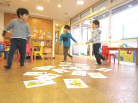 こどものための英会話教室ローリー・イングリッシュ・クラブ:幼児クラスの様子
