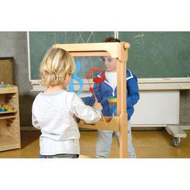 Support pour tous les éléments muraux pédagogiques pour apprendre la motricité aux enfants. Matériel à acheter pas cher du tout!