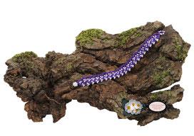 Bracelet crocheté à la main coton violet foncé et Rocailles de Bohême blanches de 17,5 cm, hypoallergénique se ferme par une boule de perles glissée dans un maillon crocheté