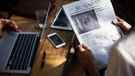 Zeitung, Laptop, Smartphone, Tablet